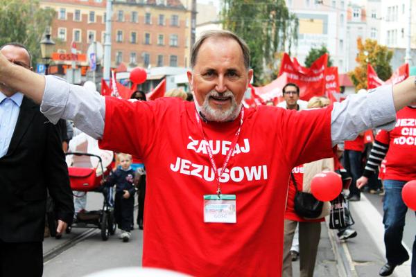 Marsz_dla_Jezusa_Poznań_20114-001-2015-05-18-_-13_31_15-80