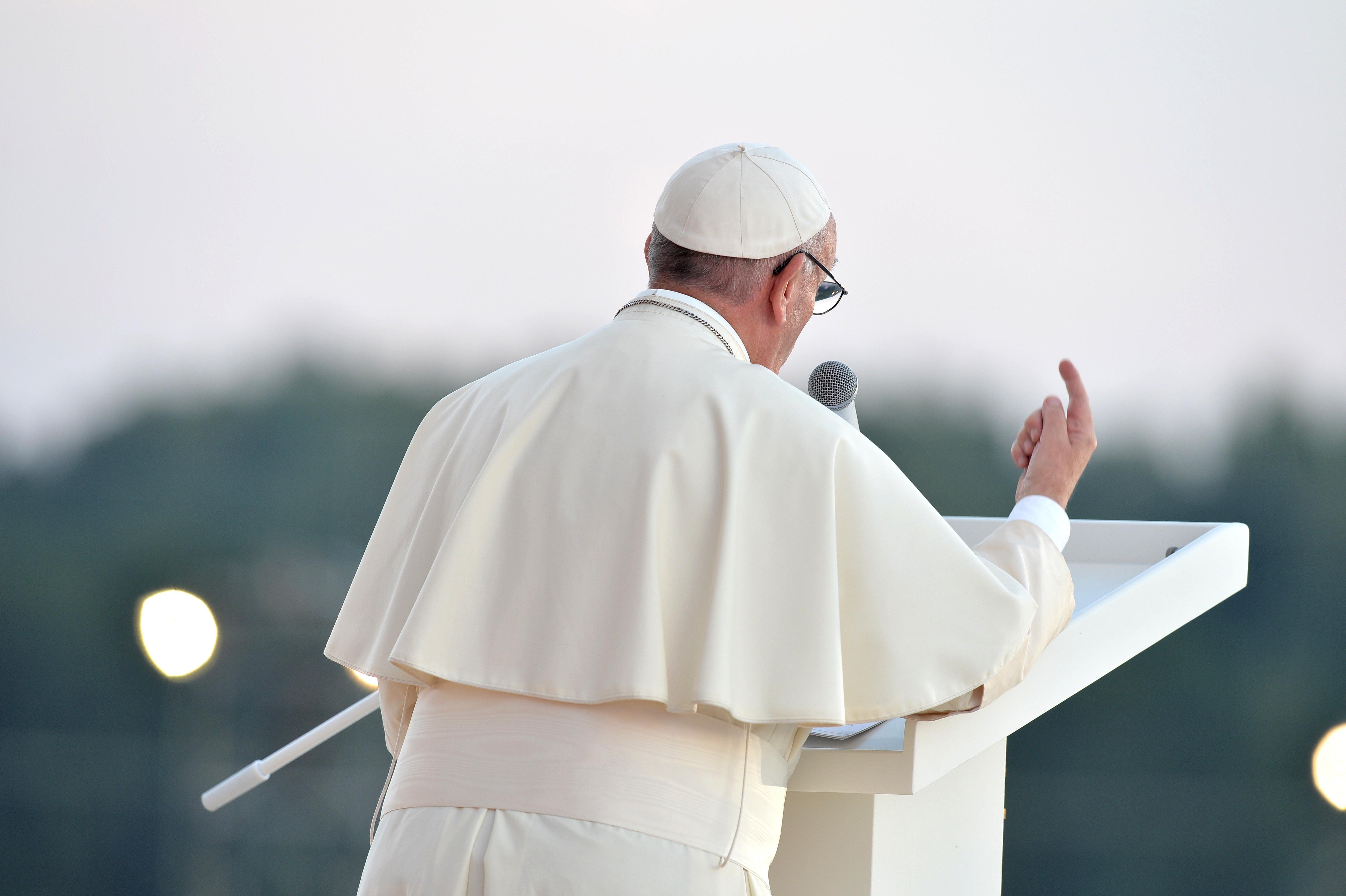 Pozdrowienie wygłoszone przez papieża Franciszka przed Sanktuarium Bożego Miłosierdzia w Łagiewnikach, 30.07.2016